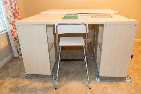 Un bureau de bricolage avec kallax ikea couture kallax craft room tables et ikea hackers - Table couture ikea ...
