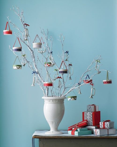 Drum-shaped ornaments are among the most iconic Christmas decorations. But you don't need to scour antiques stores and flea markets to drum up your own set -- all it takes to make the ornaments are plain wooden boxes, festive ribbon, and glue.