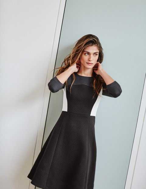 Curve & Flare Dress / the colorblock touches are flattering and the solid versions are pretty nice too