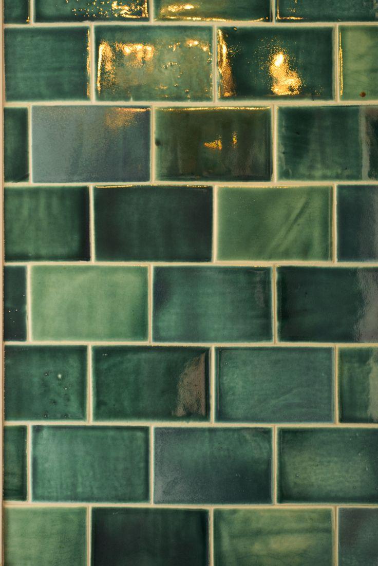 52cfc0db3007f555ed0a5fc617b3f8e0 devol kitchens green tiles