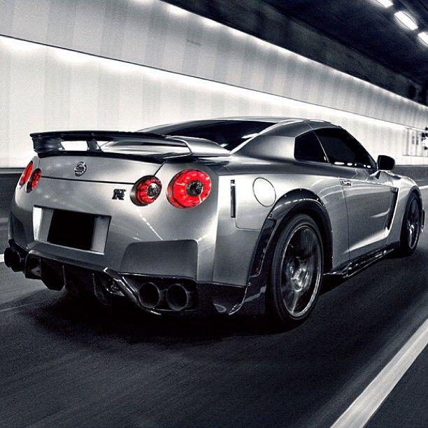 Tunnel vision - Nissan Nismo R35 GTR