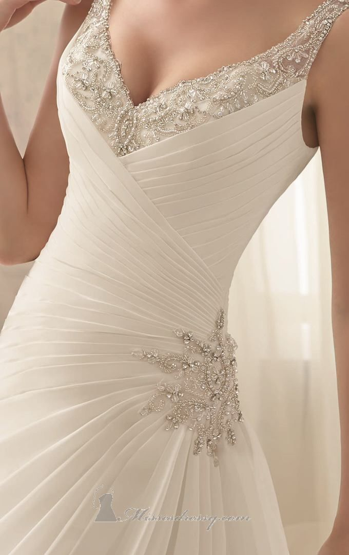 Do you know what type of dress flatters your body type? One like this that accentuates the waistline is best for hourglass, rectangle and pear figures #weddings #brides