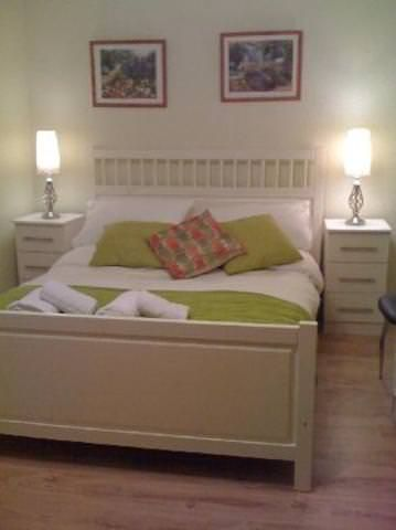 Fun, Family Atmosphere!-Double Bedroom in London SE26