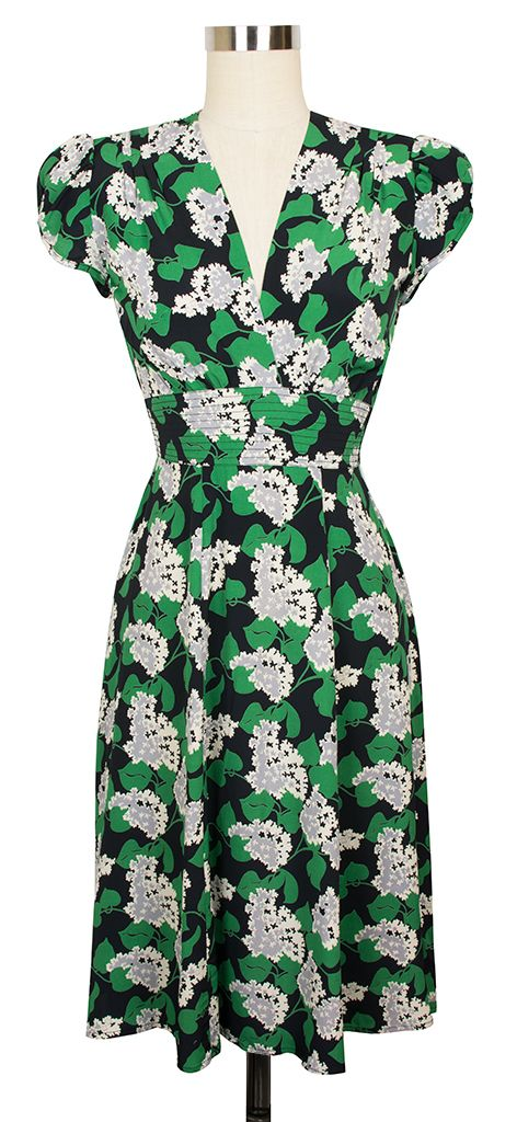 Trashy Dive Ashley Dress - This design is sure to be a favorite if you are a fan of classic late 1930s and early 1940s fashions.