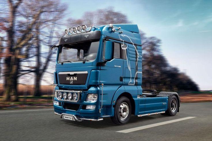 Revell bouwdoos MAN TGX XLX (Euro5), 1:24 Prijs € 47,95 http://www.modelbouwwildervank.nl/a-42457690/auto-s-en-trucks/man-tgx-xlx-euro5-1-24/