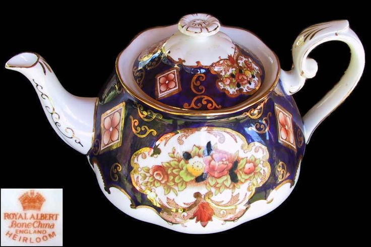 Royal Albert HEIRLOOM Large 6 Cup Tea Pot Eng 1st c1940 s