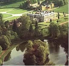 Althorp house Diana -la casa donde nacio y vivio Diana..... Althorp esw el hogar ancestral    de la familia Spencer y ahora lugar de enterramiento de la princesa Diana.