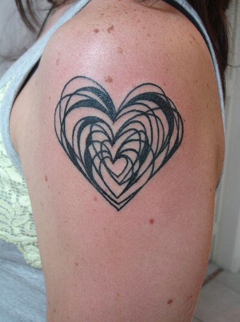 Heart #Tattoo: Tattoo Ideas, Abstract Heart Tattoo, Tattoo Bodyart, Body Art, Tattoos Piercings, Heart Design, Heart Tattoo Like, Heart Tattoos
