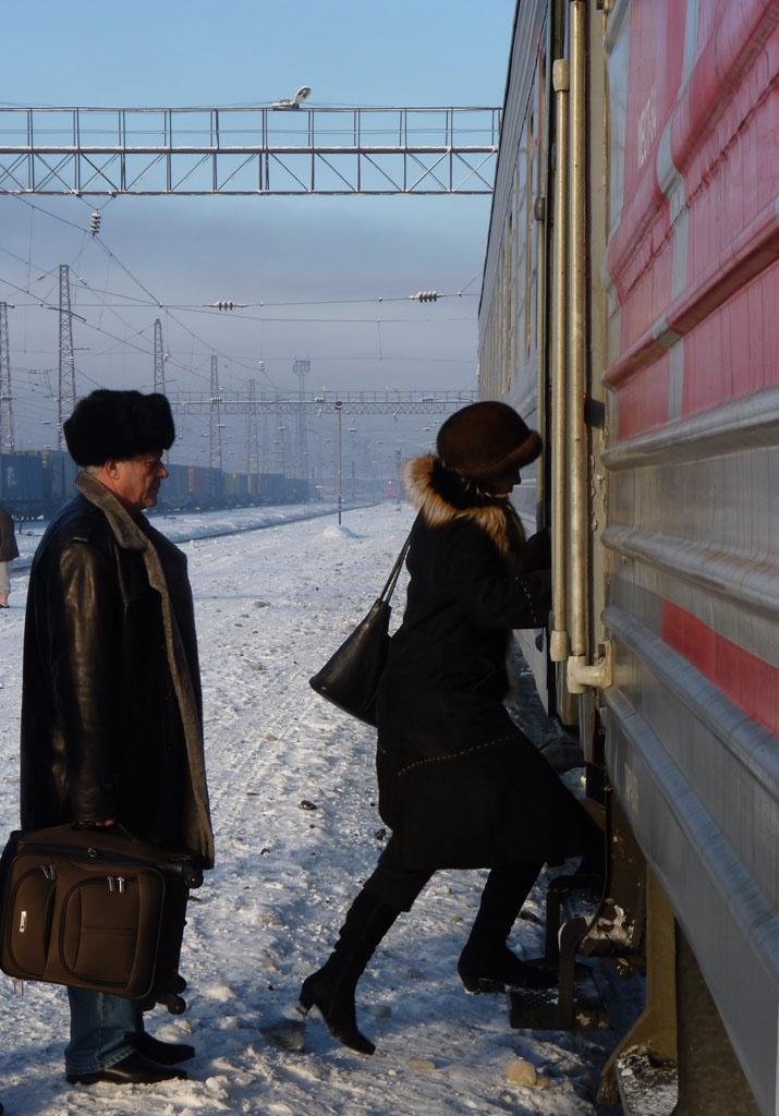 Arrêt en gare lors d'un voyage avec le Moscou-Vladivostock