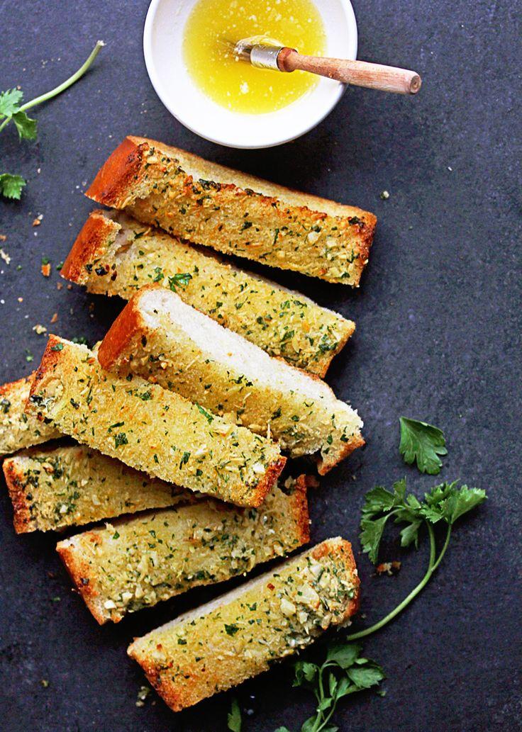 How to Make Homemade Garlic Bread Recipe | Grandbaby Cakes