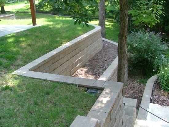 Hangbefestigung aus Beton-Garten