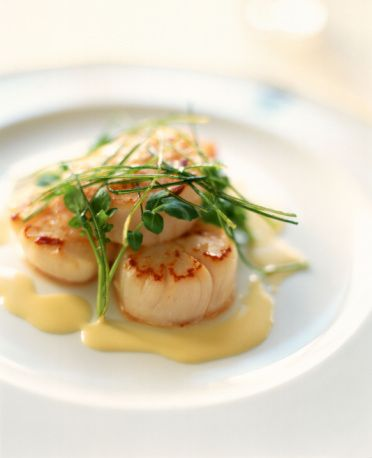 Baked Sea Scallops Recipe - Sea Scallops with Butter and Basil