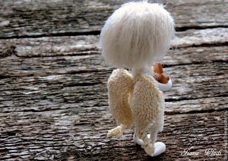Купить Кнопа Ангел Даритель звезд - белый, вязанная игрушка, маленькая игрушка, ангелочек, ангел