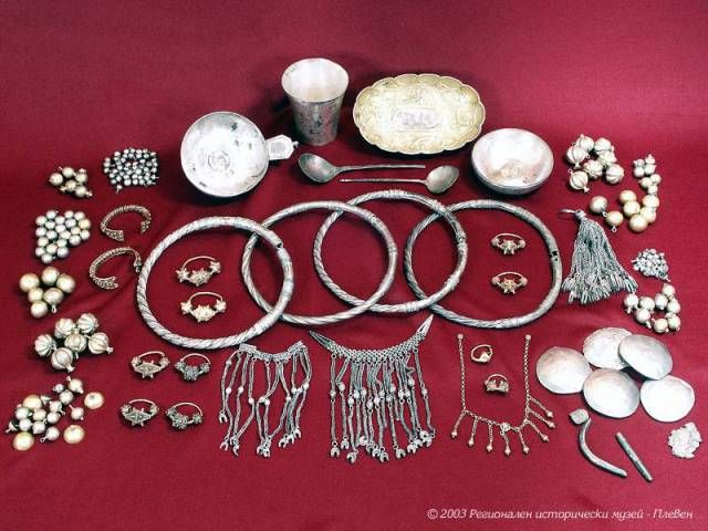 The Nikopol Treasure dates back to the High Middle Ages and the height of the…