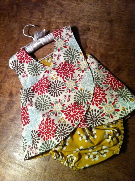 Reversible Cross-Back Pinafore: Sewing Pattern & Instructions.