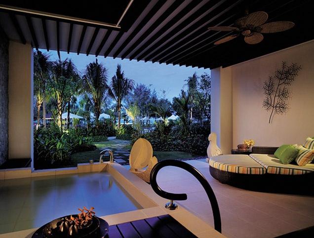 Shangri La Rasa Ria !  our room...