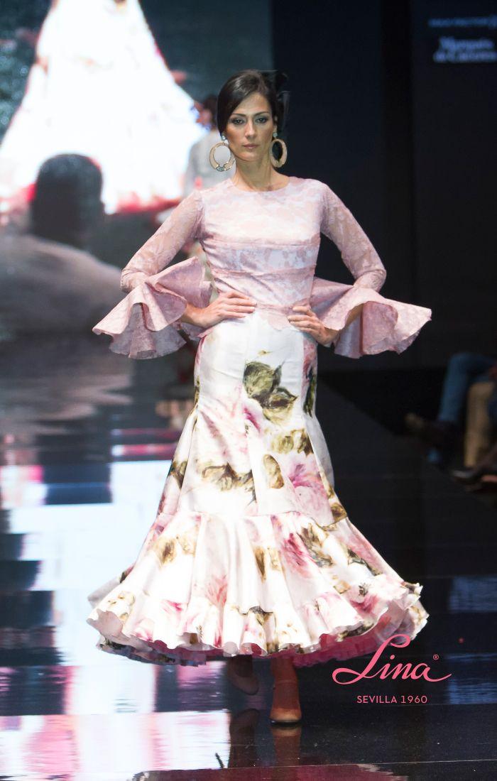 Blusa encaje maquillaje falda flores rosas malvas