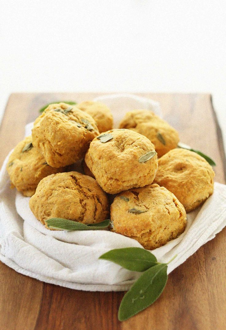 AMAZING Pumpkin Sage Biscuits! Fluffy, 1 bowl, 30 minutes