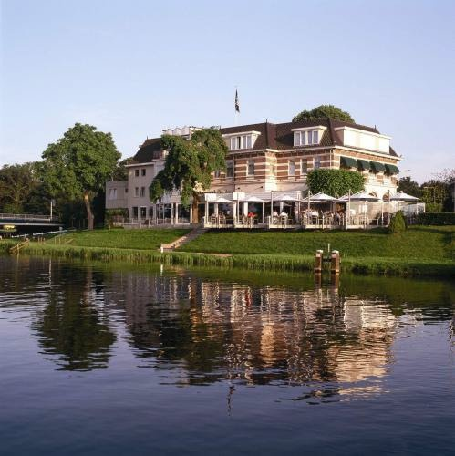 Hotel & Restaurant De Zon - Ommen, The Netherlands - 35 Rooms - Auping Beds