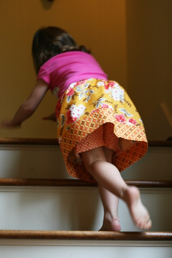 Super easy Millie's Schoolhouse skirt. Follow the link in the blog for a free pattern.