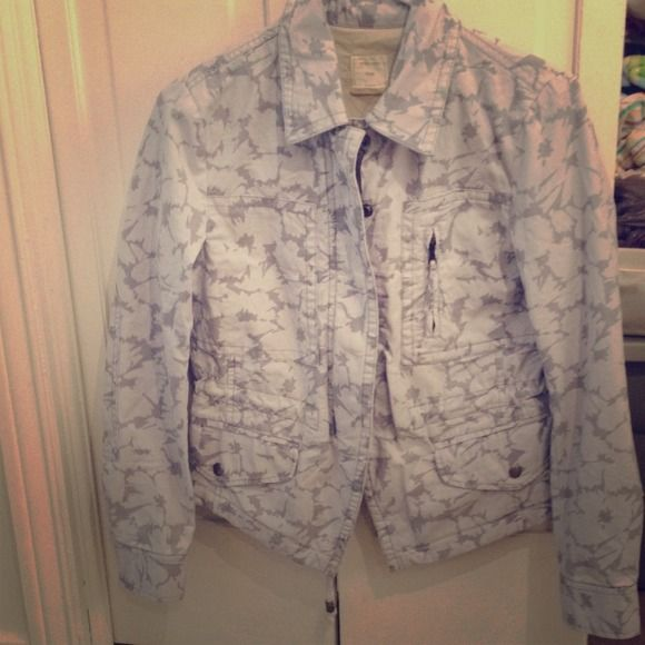 Gap grey military bomber jacket brand new Very stylish and figure flattering bomber jacket. Tags still attached. Size XSPetite. The color is great an I haven't seen any other coat this beautiful grey. GAP Jackets & Coats