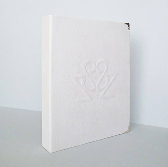 Personalized Wedding Album Made To Order Custom Leather #personalizedalbum, #weddingalbum, #madetoorder, #weddinggift, #leatheralbum, #photoalbum, #customgift, #anniversary, #whitealbum