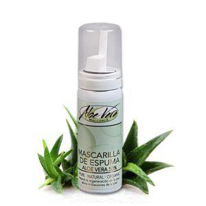 Biologische Aloë Vera Foam Masker. Vochtinbrengend masker en helende rijstolie, panthenol en tarwe-eiwitten. Dit geurig en verfrissend product hydrateert de huid optimaal, verbetert de regeneratie en kalmeert irritaties van de huid. Het is ook ideaal voor dagelijks gebruik onder uw Make-Up.