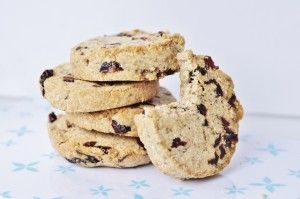 Nut Butter Cranberry Cookies Recipe - Make with your favorite nut butter (Coconut, almond, peanut,etc.) #Vegan #Dessert