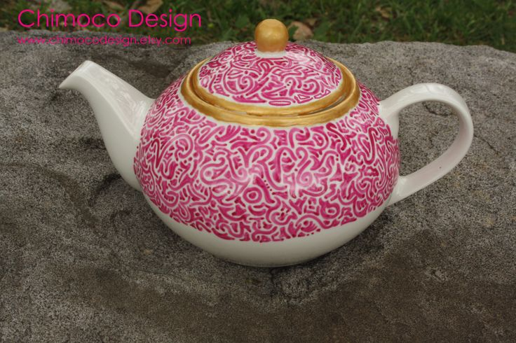 Pink pen teapot with thick lines. Great contrast with the gold trim! For more information visit chimocodesign.etsy.com or facebook.com/china86mc.etsy