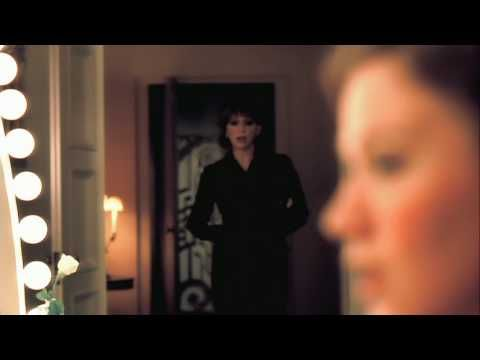 Music video by Reba McEntire, Kelly Clarkson performing Because Of You. (C) 2007 MCA Nashville, a Division of UMG Recordings, Inc.