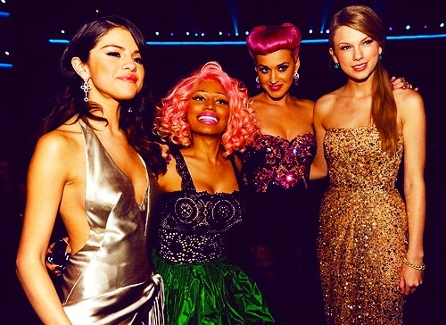 Taylor Swift, Niki Manaj, Katy Perry, and Selena Gomez  What happened to Katy's hair?!