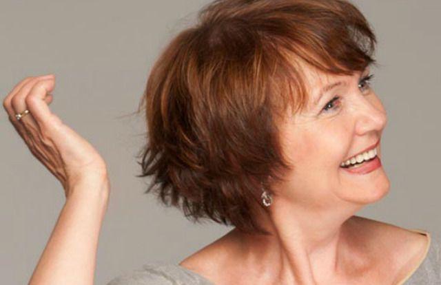 9 geslaagde kapsels voor vrouwen boven de 50