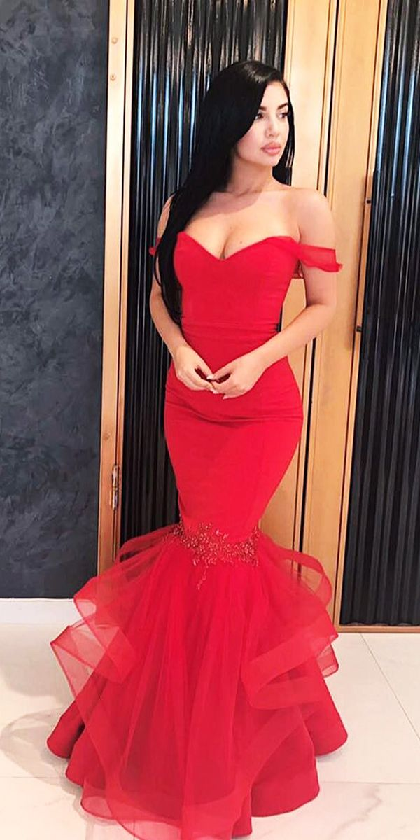 12 Amazing Blood Red Wedding Dresses Dream Pinterest And
