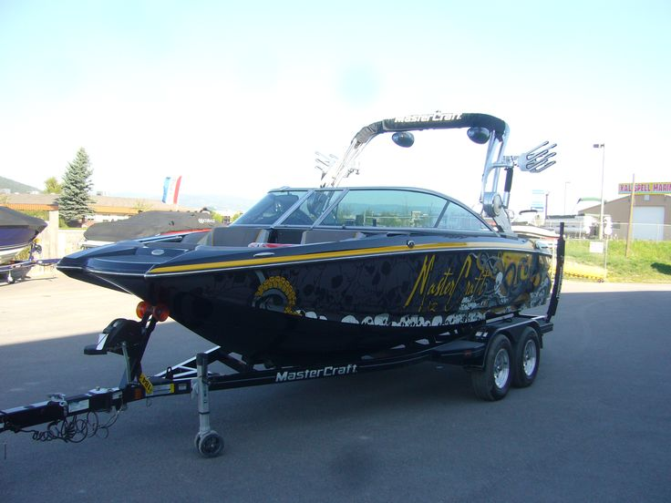 The sirlin wraps octo design around the world with mastercraft boat company