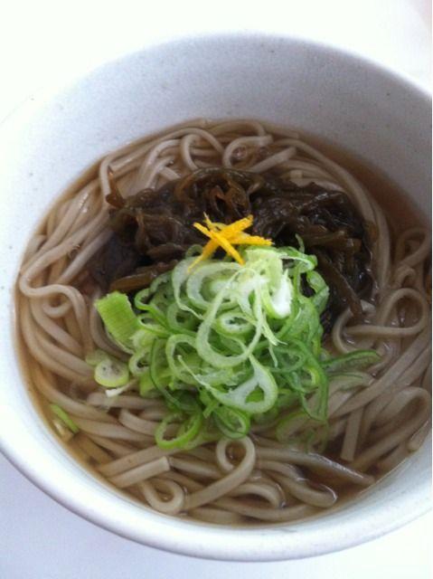 沖縄土産のもずくうどんぬめッとした麺がすごく美味しい - 11件のもぐもぐ - もずくうどん by あみっきー☻