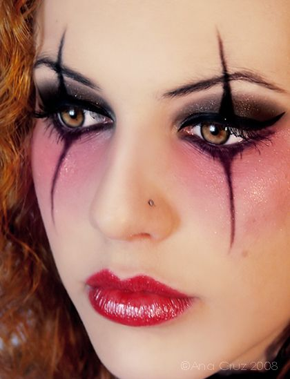 Stunning Eye Makeup - I have been trying to figure out a good harlequin type makeup style. i think this might be the winner i might try!