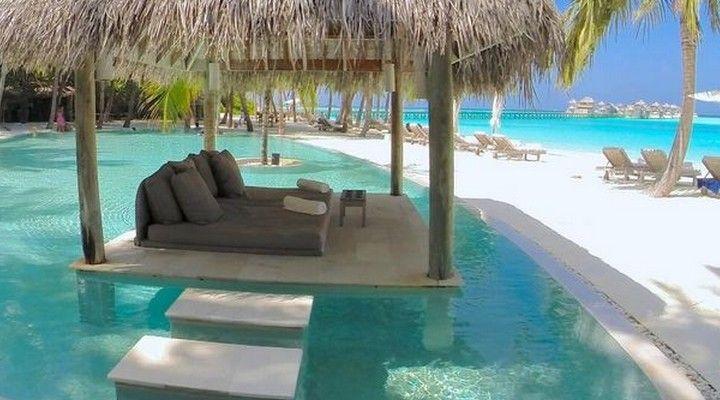 Mooiste hotel ter wereld 2015 | Gili Lankanfushi Maldives http://hotelkamerveiling-blog.nl/mooiste-hotel-ter-wereld-op-malediven/