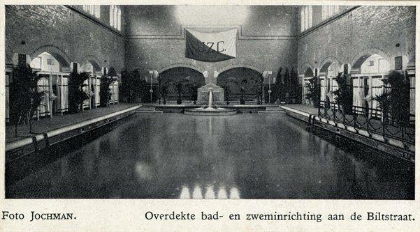 Het zwembad O.Z.E.B.I te Utrecht De naam O.Z.E.B.I. ontstond als acroniem voor eerste Overdekte Zwem- en Bad-Inrichting. Hoewel al iets eerder in gebruik, werd op 17 maart 1919 O.Z.E.B.I. geopend. De gelegenheid werd rond 1918 in de wijk Wittevrouwen aan het begin van de Biltstraat gebouwd naar ontwerp van J. Ingenohl.