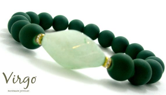 Handmade Glass Bead Swarovski Crystal and Aventurine Stone Bracelet.  Size: approx. 17cm   We can resize for you, all of our jewelries, so feel free to ask!  Τhe bracelet comes in a gift box!  Do you like this item? See more at: https://www.etsy.com/shop/VirgoHandmadeJewelry  Like us on Facebook:  https://www.facebook.com/VirgoHandmadeJewelry  or   follow us on Pinterest: www.pinterest.com/VirgoJewelry   Thanks for stopping by - Virginia