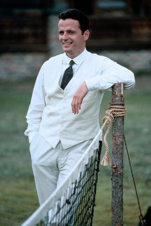 Alfred Ludlow - Aidan Quinn in Legends of the Fall, set in the 1910s (1994).