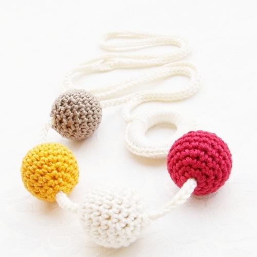 """Babahami Horgooka """"Eper"""" creative mummy lace, teething necklace"""