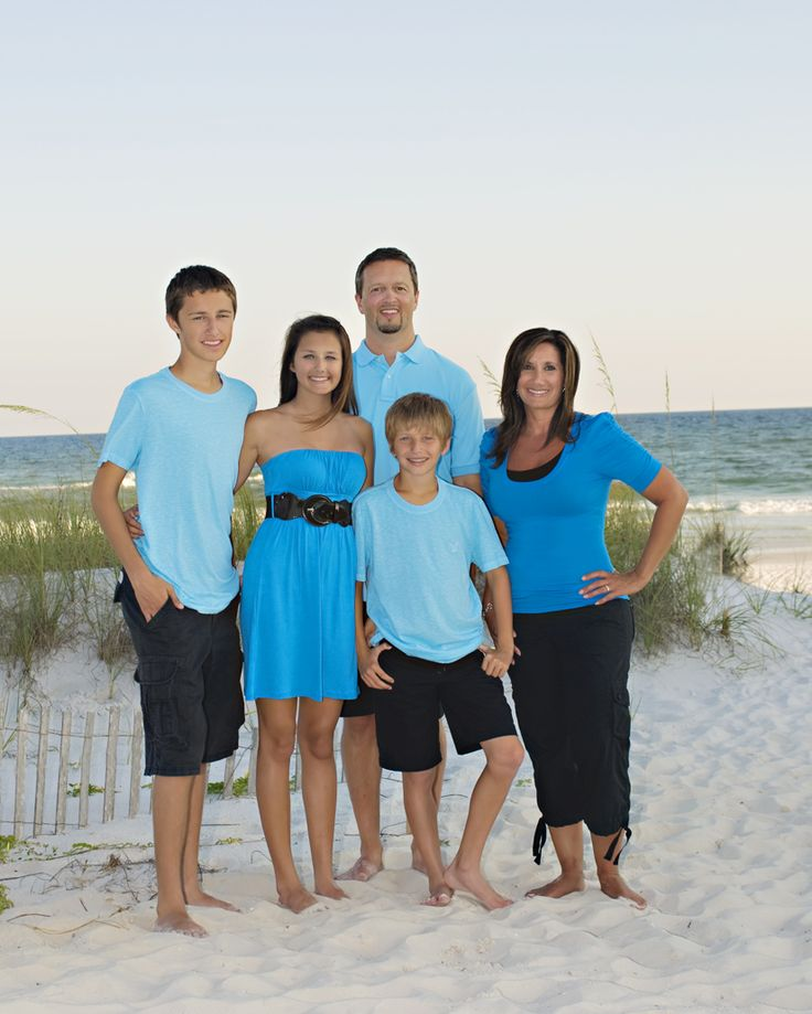 Family Pictures In The Beach