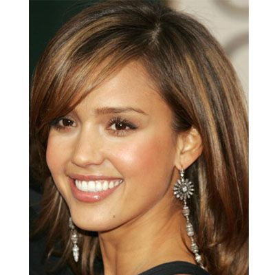 Slimming Celebrity Hairstyles: Jessica Alba: Deep Side Part