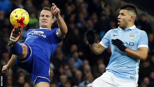 Everton skipper Phil Jagielka hits out at 'arrogant' referee
