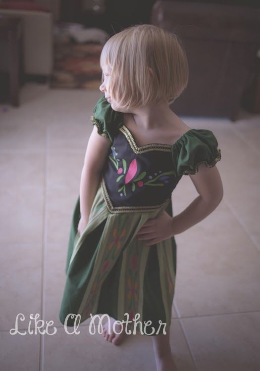 FROZEN Capes: A Tutorial to adapt the Ruby Jeans Closet Gwedolyn Cape for Your Princess — Pattern Revolution
