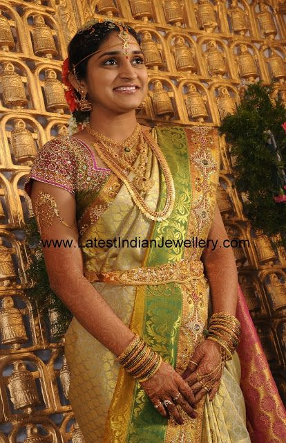 Complete Indian Gold Bridal Set   Latest Indian Jewellery Designs