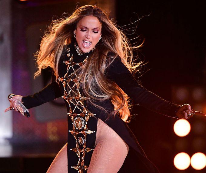 Mira cómo Jennifer López cantó sin ropa interior en New York (+fotos)