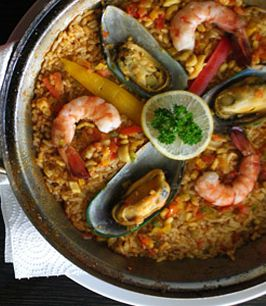 seafood with rice (paella )