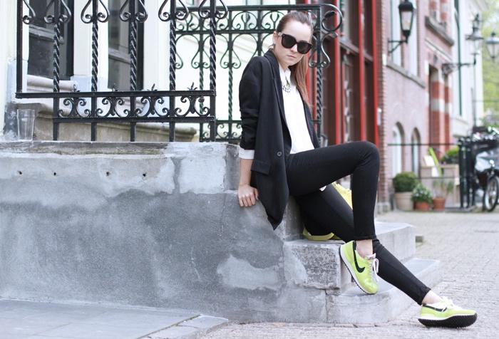 :): Stylescrapbook, Dresses Up, Cities, Neon Trainers, Style Inspiration, Blazers, Style Scrapbook, Andy Torres, Runners Girls