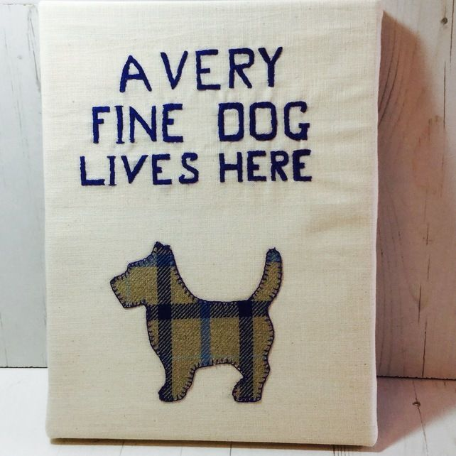 Canvas Picture A Very Fine Dog Lives Here £15.00